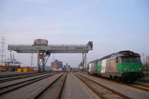 Photos au fil du rail Bb 67400 0009