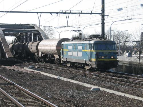 Photos au fil du rail Locomotives électriques SNCB NMBS doorrit 10