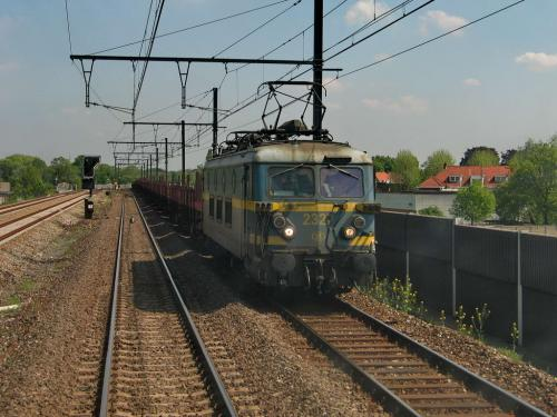 Photos au fil du rail Locomotives électriques SNCB NMBS doorrit 15