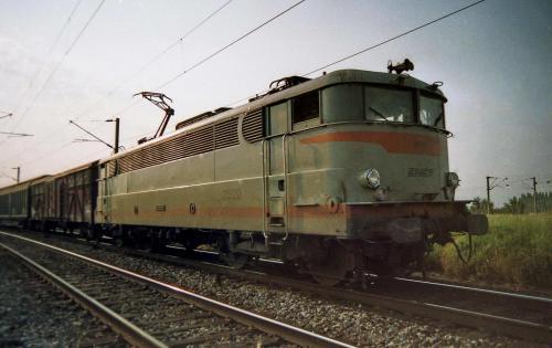 Photos au fil du rail BB 2500 img117mod